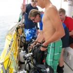 Tying the scuba rig back to the lifeline.